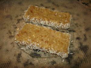 Lemon Bars, the raw, gluten free, vegan way!