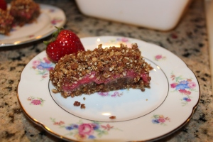 No Bake Strawberry Crumb Bars
